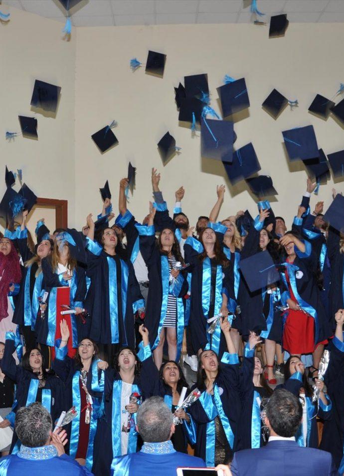Amasya Üniversitesinde Mezuniyet Coşkusu